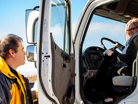 How the E-Commerce Boom Is Impacting The Trucking Industry