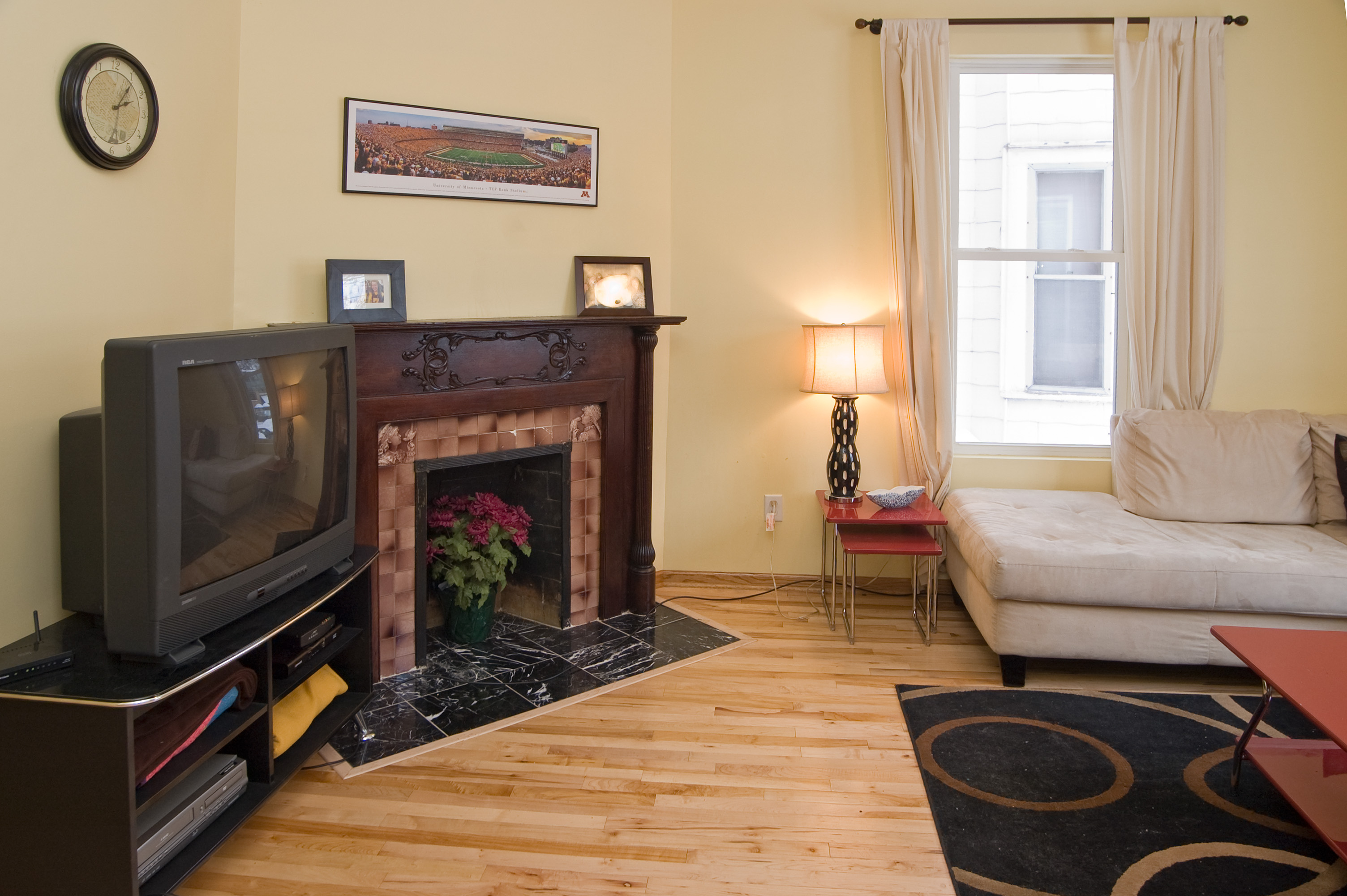 516 12th Living Room