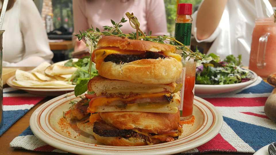 Supper tall burger