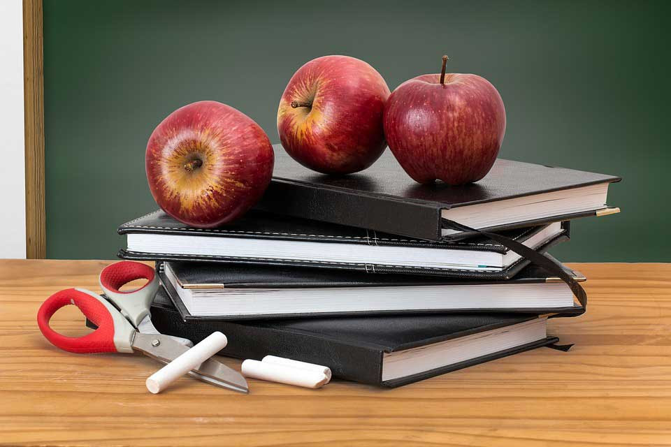 Classroom, apples and the best teacher.