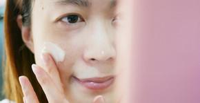 隔天起床洗完臉後,會覺得肌膚還蠻保濕的,不會乾燥緊繃