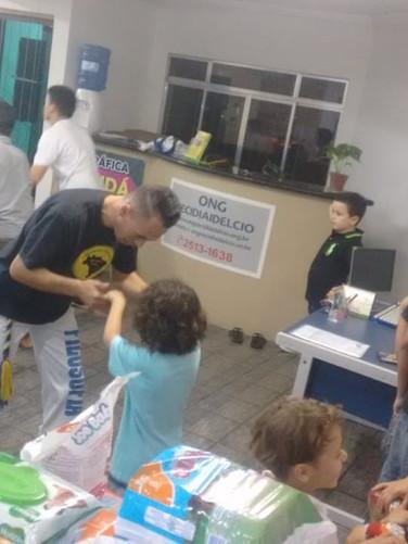 ong+cecidiaidelcio+aulas+de+capoeira+4.j