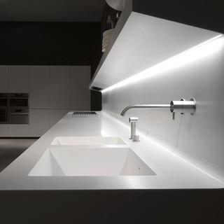 futuristic-wall-mounted-laCucina-kitchen