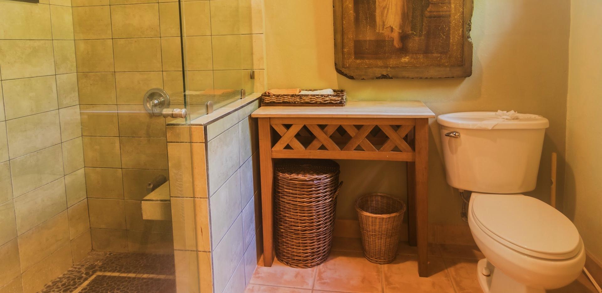 Villa Bathroom #4
