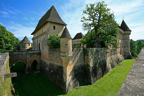 Anglecompletdouves chateauS0°°°.jpg