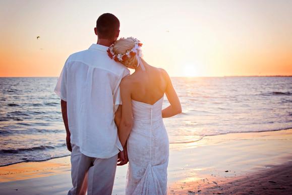 Couple Sunset Wedding photo, Bride & Groom, at Diamondhead Beach Resort, Fort Myers, Florida Florida Destination Wedding