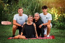 K_Schymalla-Family-159_WEB.jpg
