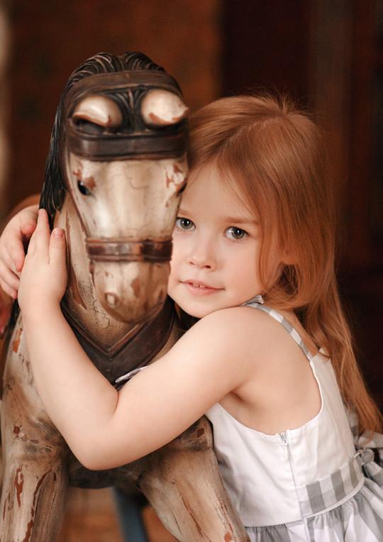 The firl with horse * Портрет с лошадкой