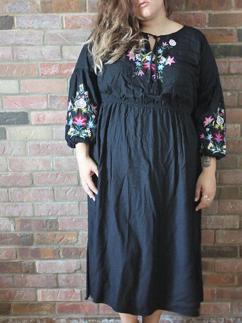 Robe noire brodée gr. 3X