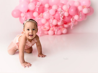 Pink & Floral Balloon Cake Smash   Cake Smash Photos   Jennifer Spencer Photography