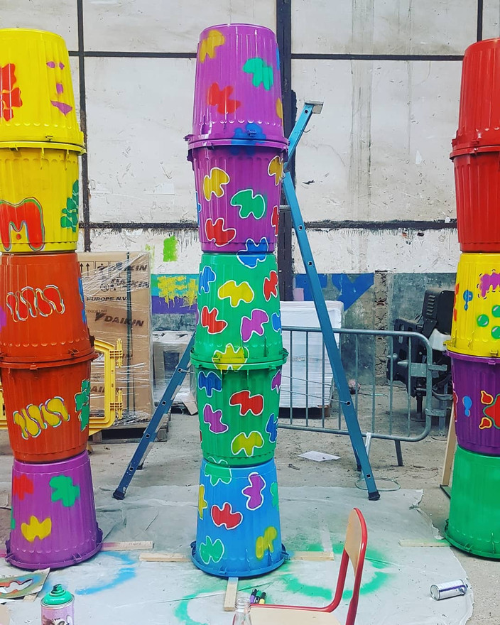 Scénographie art de rue fête des vendanges bagneux.jpg
