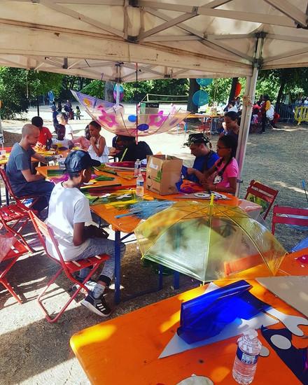 Scénographie art de rue fête des vendanges bagneux