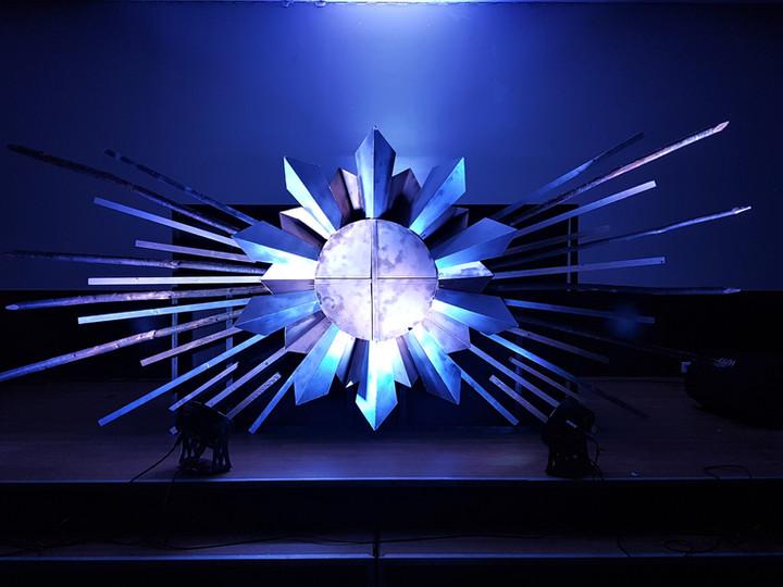 DJ-booth-soiree-odyssee-creatif-innovation-eco-responsable-creer-partager-voyager-sublimer-recycler-ecologique-plasticienne-artiste-paris-atelier-art-sculpture-installationartistique-scenographie-scenographe-evenementiel-corporate-entreprise-galerie-decors-design-architecture-scene