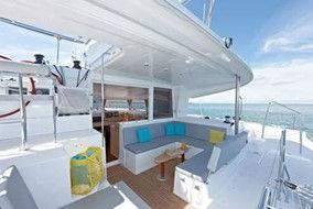 Catamaran exterieur places.jpg