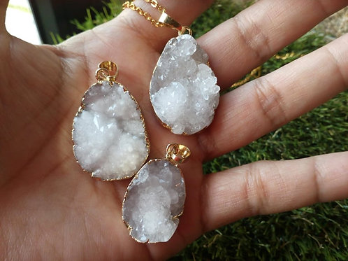 Calsite Geode Raw pendant with chain