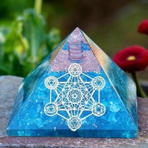 Large Orgonite Pyramid Apatite 65-70mm