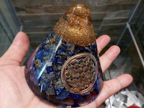 Orgonite Cone - Lapis Lazuli Flower of Life - Suspended Quartz - 80 mm