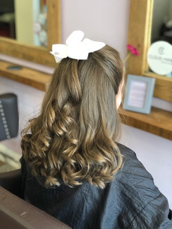 blow dry with curls