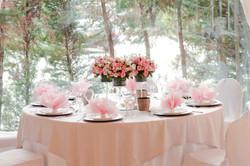 Pink roses centerpiece