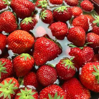 Erdbeerlimes an einem lauen Sommerabend