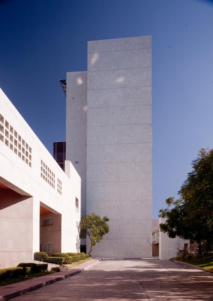 CENTRO-DE-INVESTIGACIÓN-Y-ATENCIÓN-DE-QUEMADOS-013