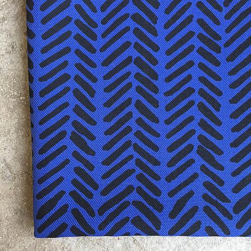 Coupon demi-natté de coton bleu amparo • Chevrons noir