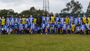 Clube Esportivo entrega kits aos alunos da Escola de Futebol