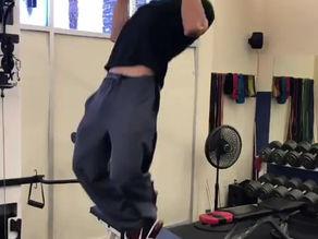 Doing chin ups/pulls ups in proper form