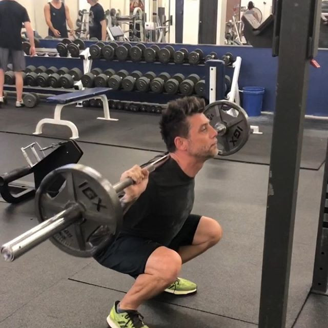 What to look for to squat in proper form