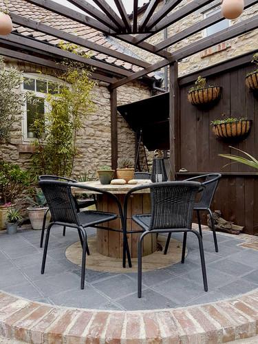 Black Limestone Courtyard 1.jpg