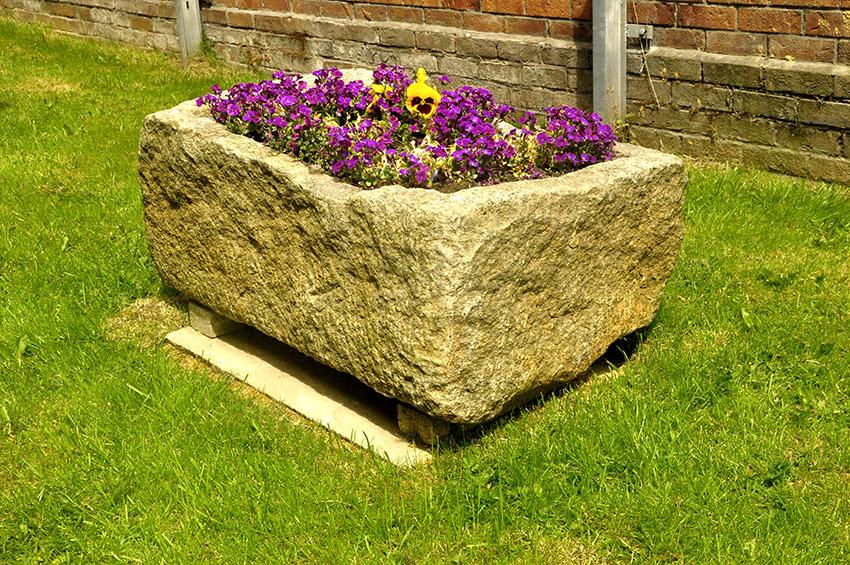 Medium Granite Trough