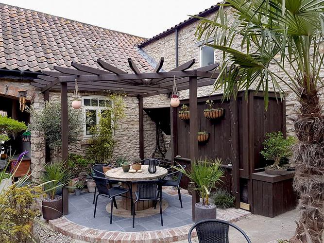 Black Limestone Courtyard 2.jpg