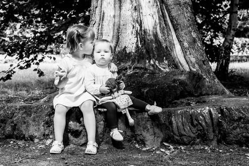 Sisters photograph, Midhurst