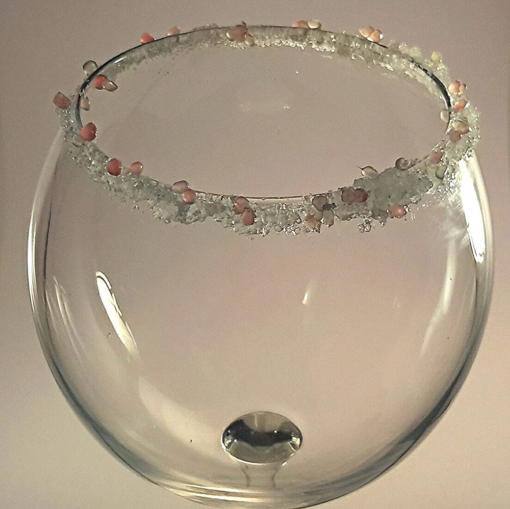Glass decorated using finger limes (MonCitric)