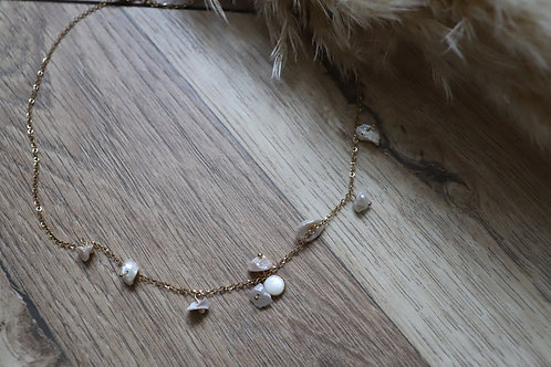 Collier Laura