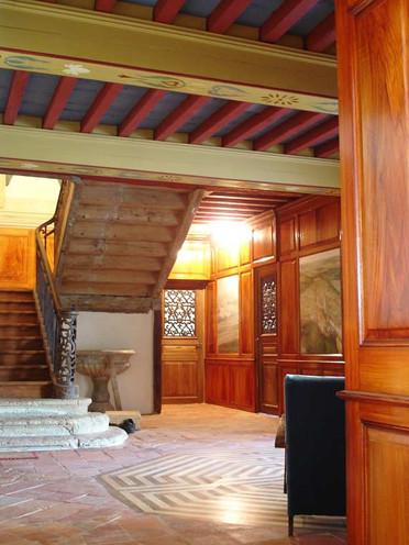 trompe-l-oeil-faux-bois-et-plafond-peint