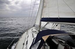 Oceanis393-3.jpg