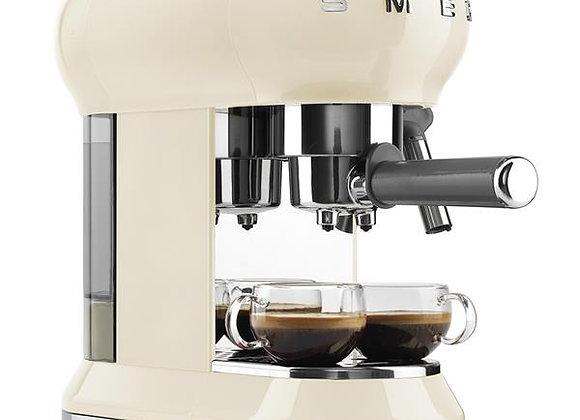 Machine à café Expresso SMEG - ECF01CREU