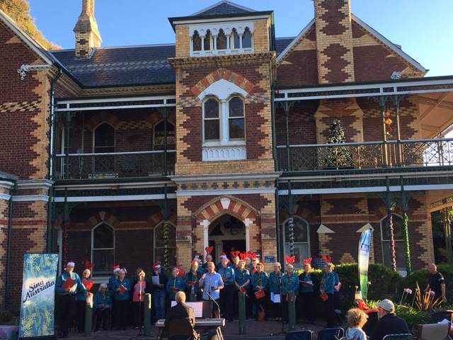 Christmas Carols at Carrical House, Dec 2016. Source: www.hawthorncommunitychest.org
