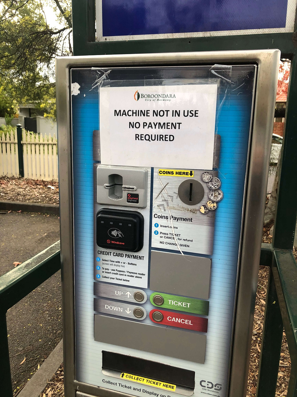 Ticket parking machine out of service until September 2020.