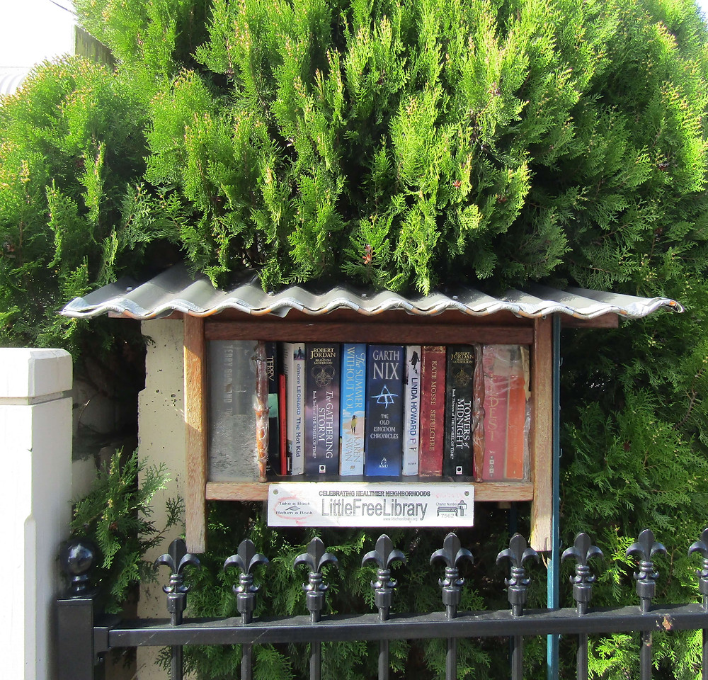 Street Library at 13 Kent Street, Hawthorn.