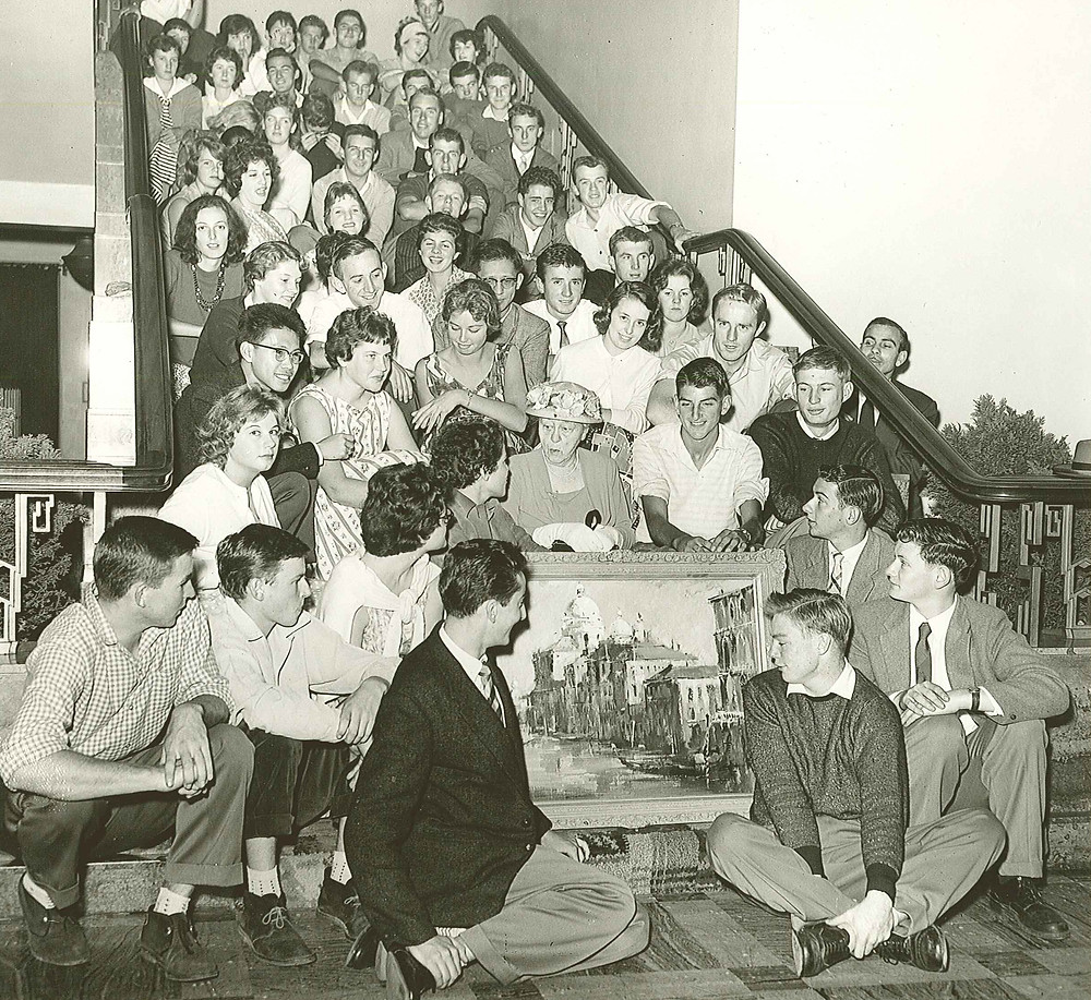 Ethel Swinburne with Swinburne Arts Students April 1, 1959 at the Founders' Day ceremony in the Hawthorn Town Hall.