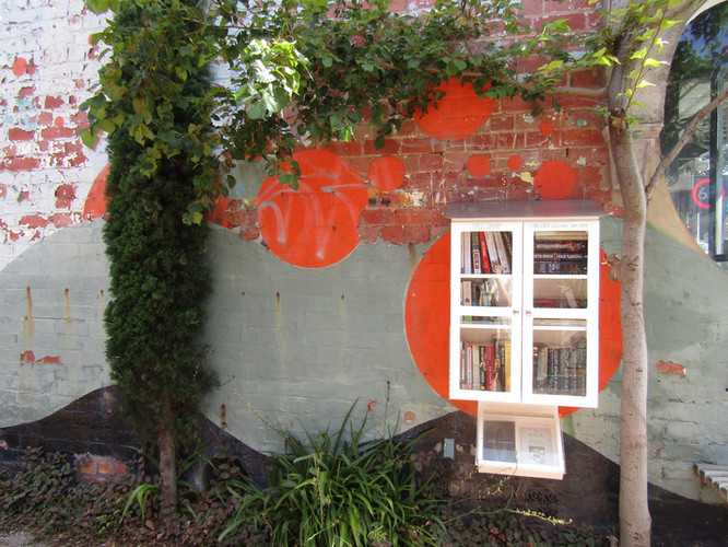 New: Glenferrie's Street Library