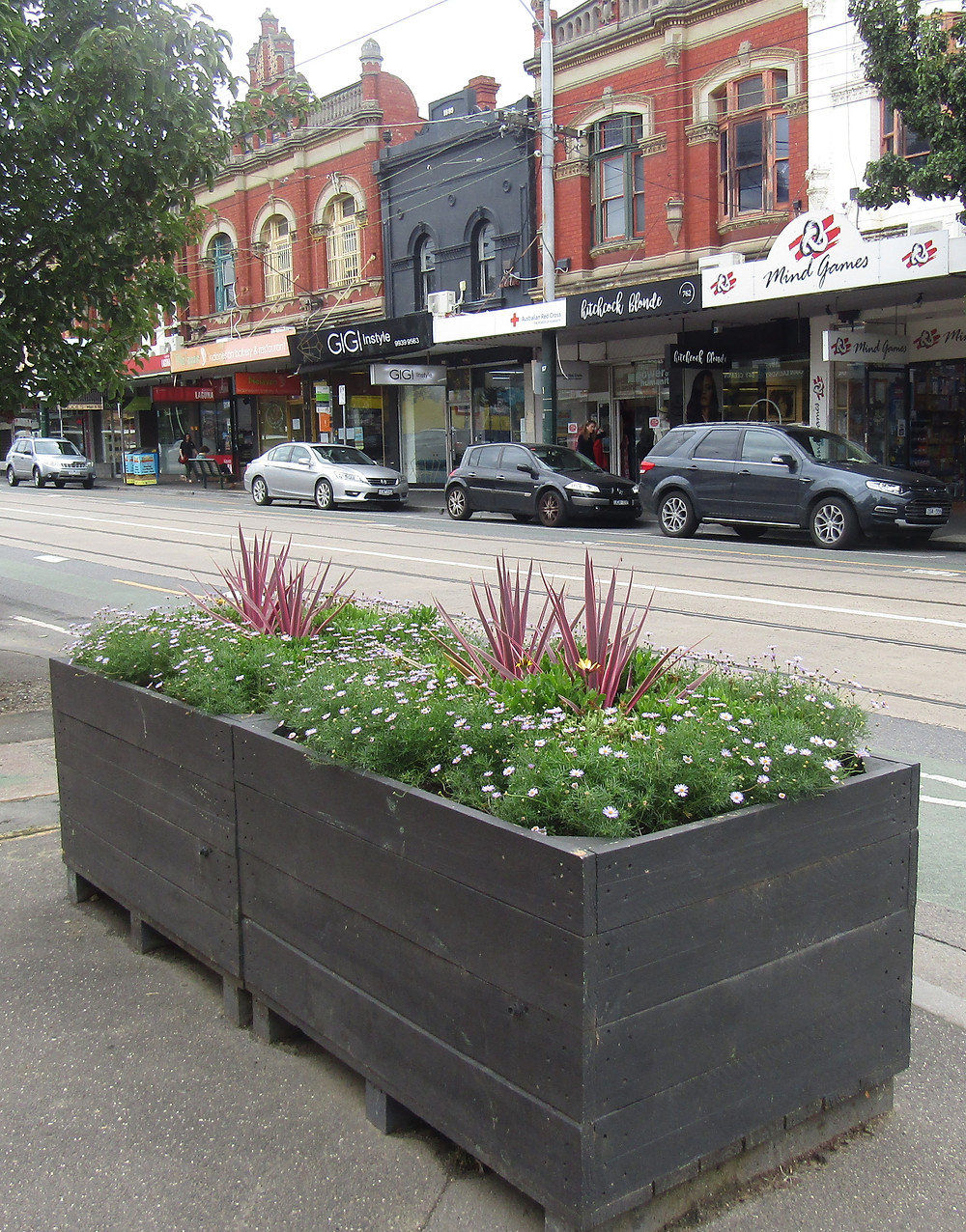 Completed maintenance on plater boxes at Glenferrie Road and Chrystobel Crescent.