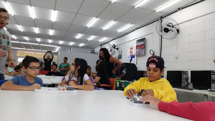 Entenda como utilizar a tecnologia dentro da sala de aula