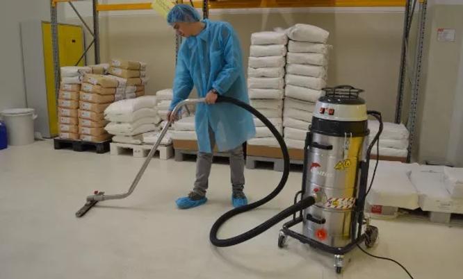 xAtex_floor_cleaning_vacuum_cleaner_5ba3