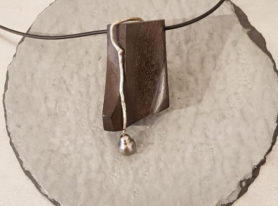 Pendentif avec chêne des marais et perle de Tahiti