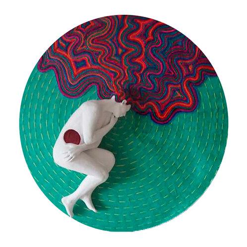 "Daniela González (Colombia). ""Victoria"". Escultura 57cmX57cmx15cm       1110 USD"