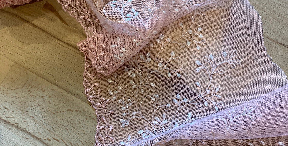 Audrey embroidered trim
