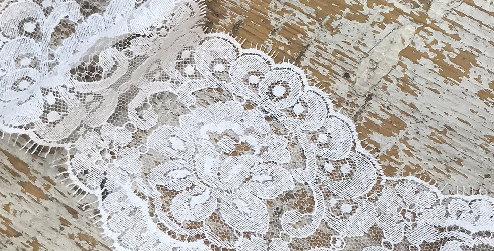 Darcel vintage lace
